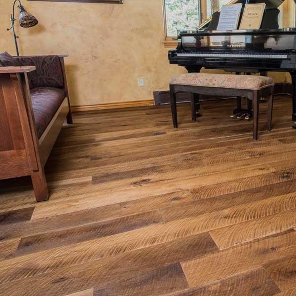 Floor tile varnish